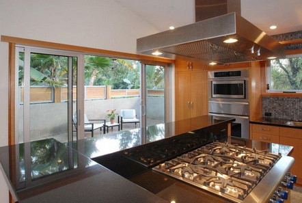 Ashton Kutcher house in Hollywood Hills Los Angeles-kitchen