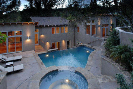 Ashton Kutcher house in Hollywood Hills Los Angeles-pool