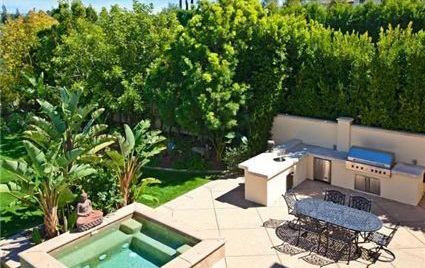 Avril Lavigne Lists Bel Air Home for $9.5 Million House4