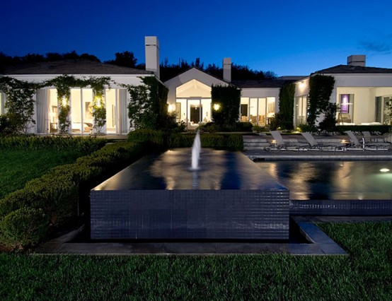 Celebrity residence in Beverly Hills House1
