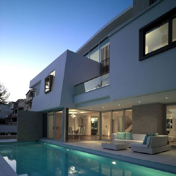 Fascinating White Contemporary Home in Ekali