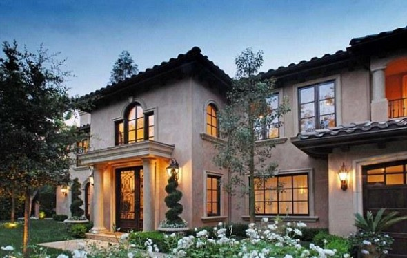 Home sweet home-Kim Kardashian Mediterranean-style, five-bedroom mansion in Beverly Hills