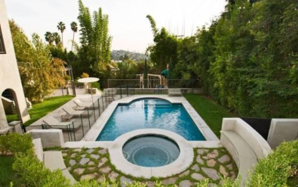 Katy Perry and Russell Brand List L.A Home- swiming pool