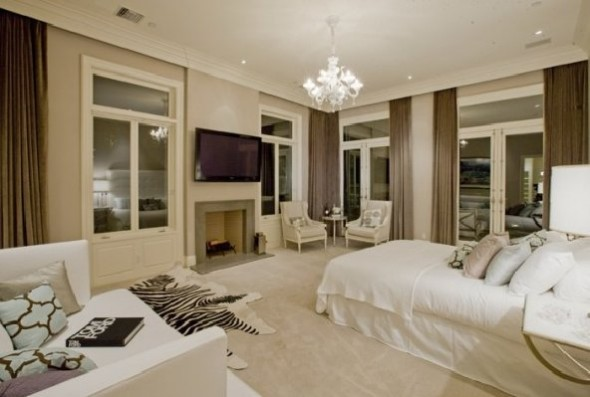 Lady Gaga's House in L.A-bedroom