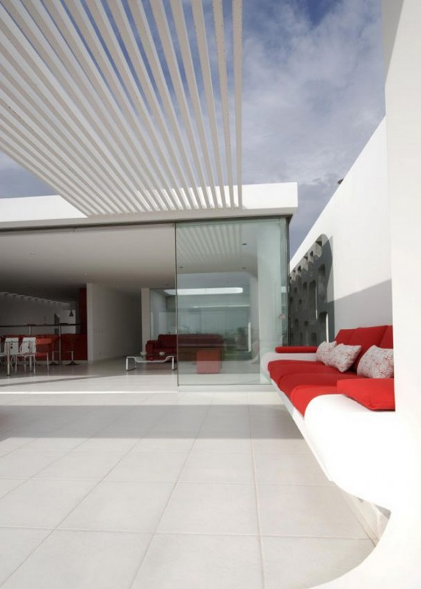Modern Villa Design in Peru Architects1