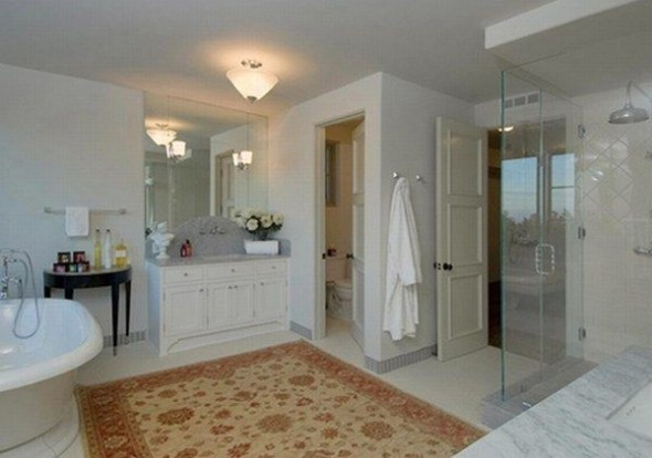 New home Megan Fox in Los Angeles-bathroom
