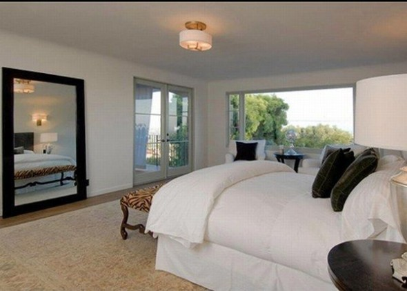 New home Megan Fox in Los Angeles-bedroom
