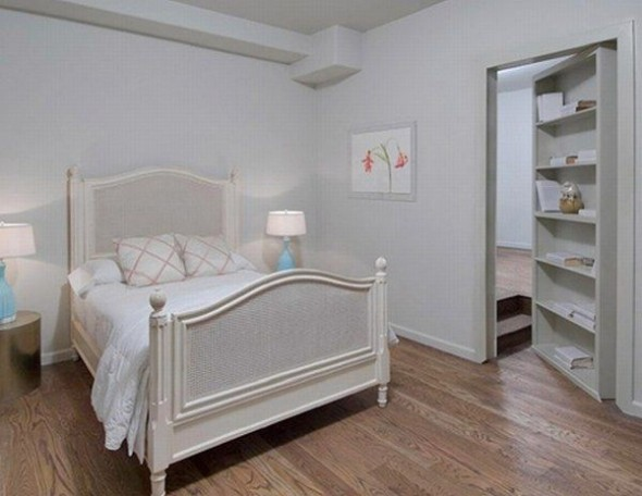 New home Megan Fox in Los Angeles-small bedroom