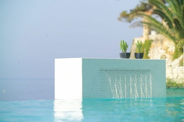 charming swimming pool fountain powerfall by zodiac pooclare Design7