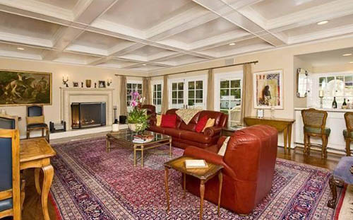 hillary duff living room