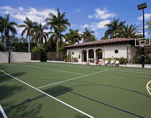 lebron james tennis court