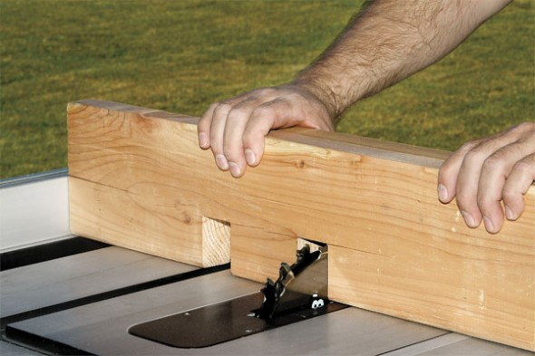 Cut the notches with a dado blade in the table saw (6)-pergola design