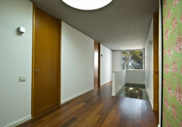 Large Alley In Second Floor From Modern Square House