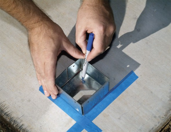 Lay out the post positions and mark the screw locations (1)-pergola