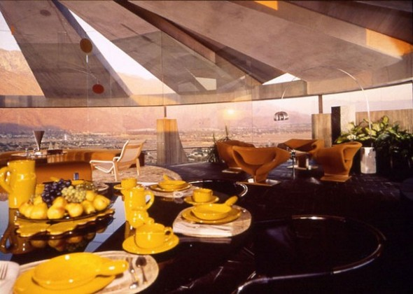 The Elrod House by John Lautner accessories table from The Bond's Movie