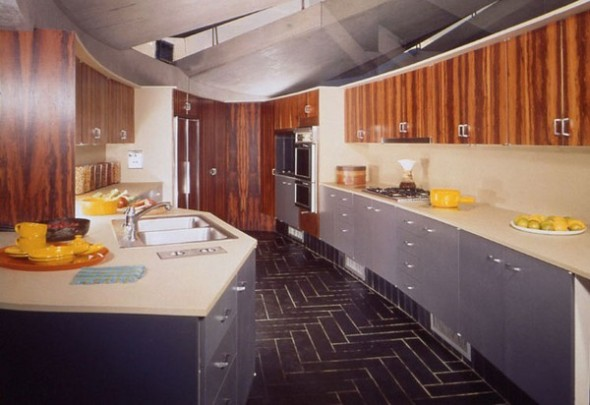 The Elrod House by John Lautner amazing kitchen from The Bond's Movie