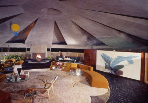 The Elrod House by John Lautner master room from The Bond's Movie