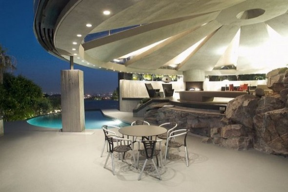 The Elrod House by John Lautner table and chairs from The Bond's Movie