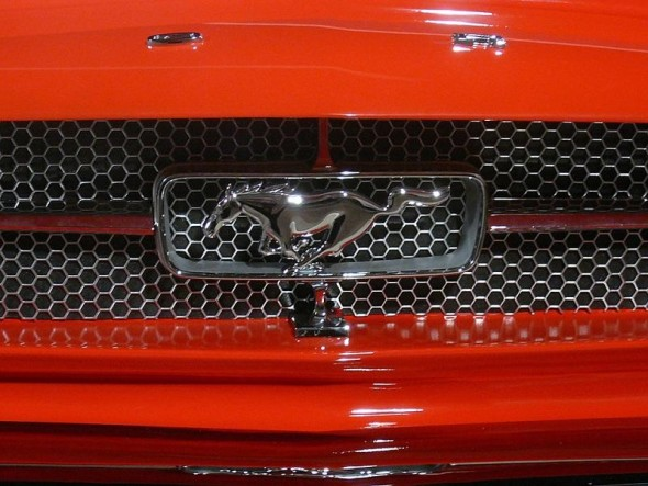 logo ford mustang pool table