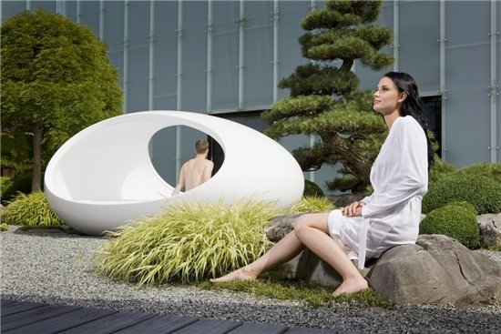 Awesome egg shaped bed by lomme