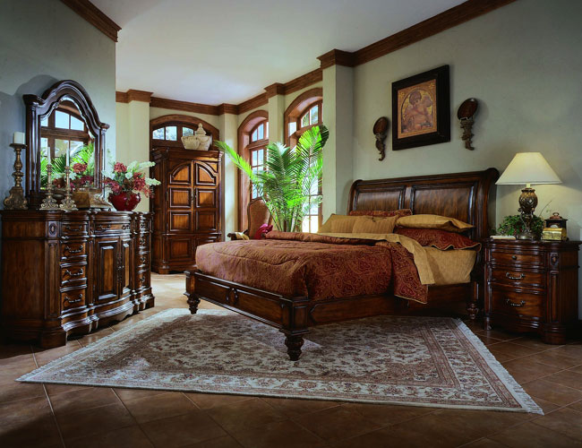 Wooden Antique Bedroom Furniture