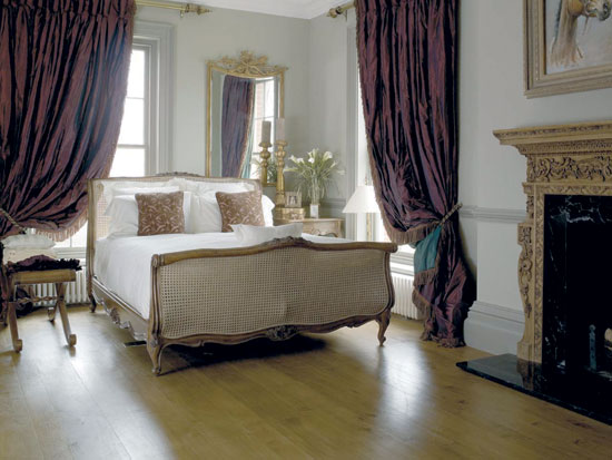 French Style Of Bedroom Decorating
