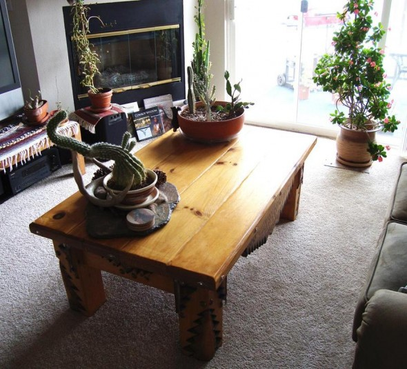 Southwest Style Decorating Table With Cacti
