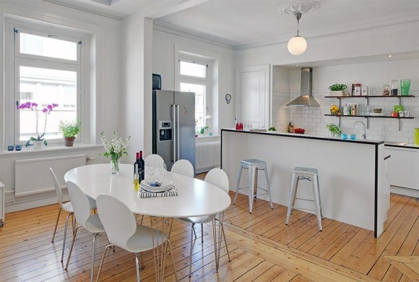 spacious decorating kitchen and furniture