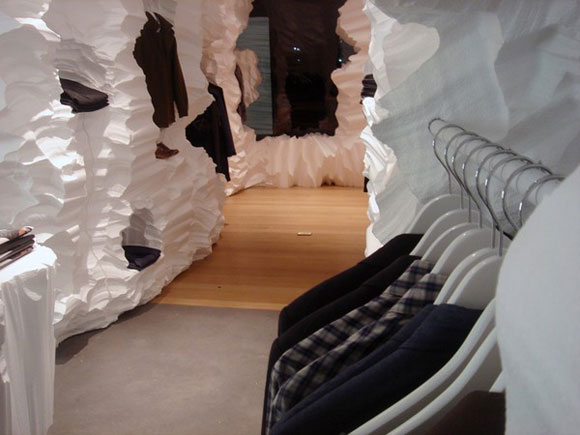 Artistic Store Interior Decorating with Cavern Themes4