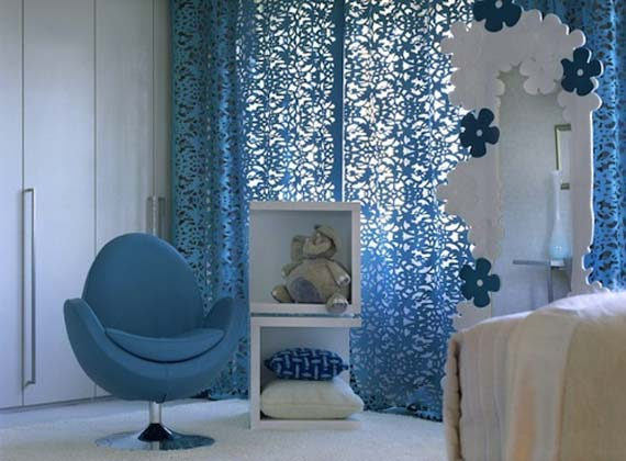 Catchy curtain in bedroom