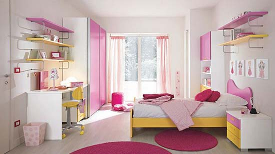 Combination red, pink and yellow in girls room