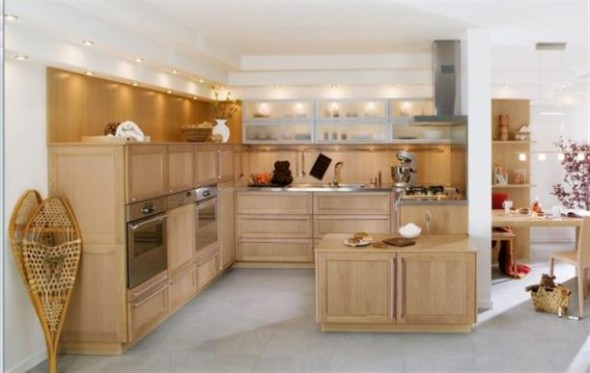 Wooden+kitchen+cabinets+on+Contemporary+French+Style+Kitchen+Designs