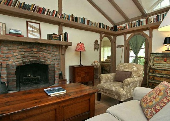 cottage family room fireplace