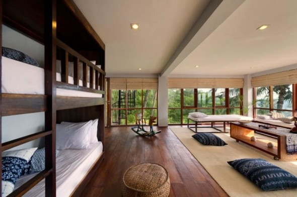 Malimbu Cliff Villa - Large Room