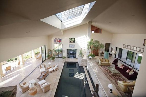 retractable roof - Larry Hagman house