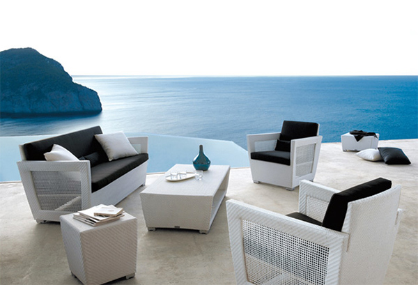 Awesome Water Edge Pool Patio Furniture Charming Designs