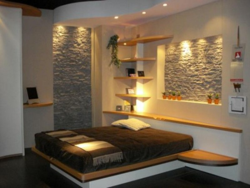 Calm Bedroom Design With Natural Stone